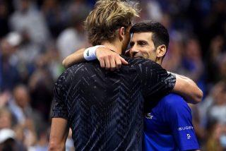 Djokovic elimina a Zverev en 5 sets, pero el punto del año lo ganó el alemán