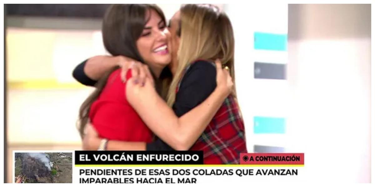 Marta López y Alexia Rivas y el abrazo más inesperado: ¿Qué venderán ahora que ya no interesa su trama?