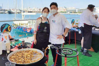 """Valencia: Chefs de los cinco continentes compiten en el """"Día Mundial de la Paella"""""""