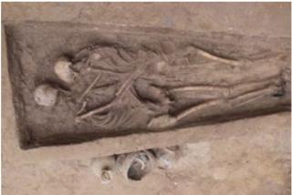 Este es el fósil más romántico: Una pareja enterrada hace 1.500 años en China