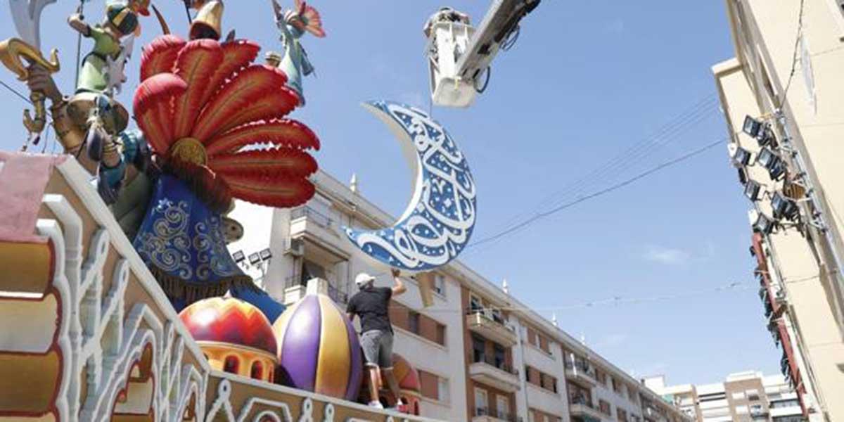 #QuemadLaFalla: Twitter es un clamor y exige no plegarse a las presiones de la comunidad islámica