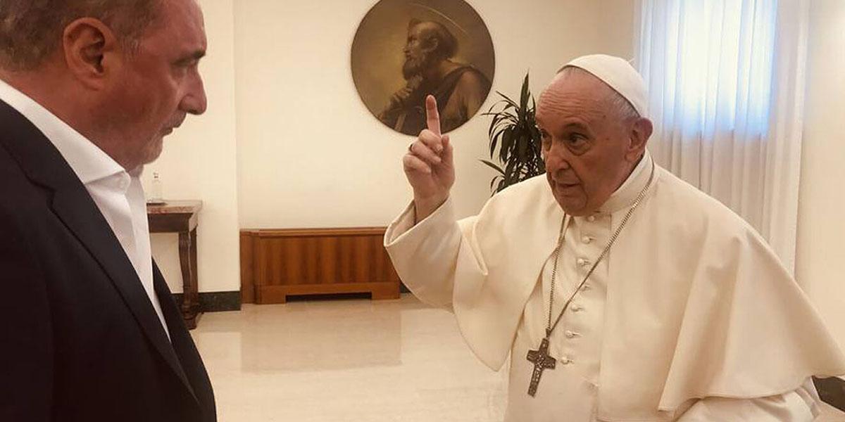 """Políticos, analistas y VOX amargan la charla en COPE al Papa antiespañol: """"¡Váyase al carajo!"""""""