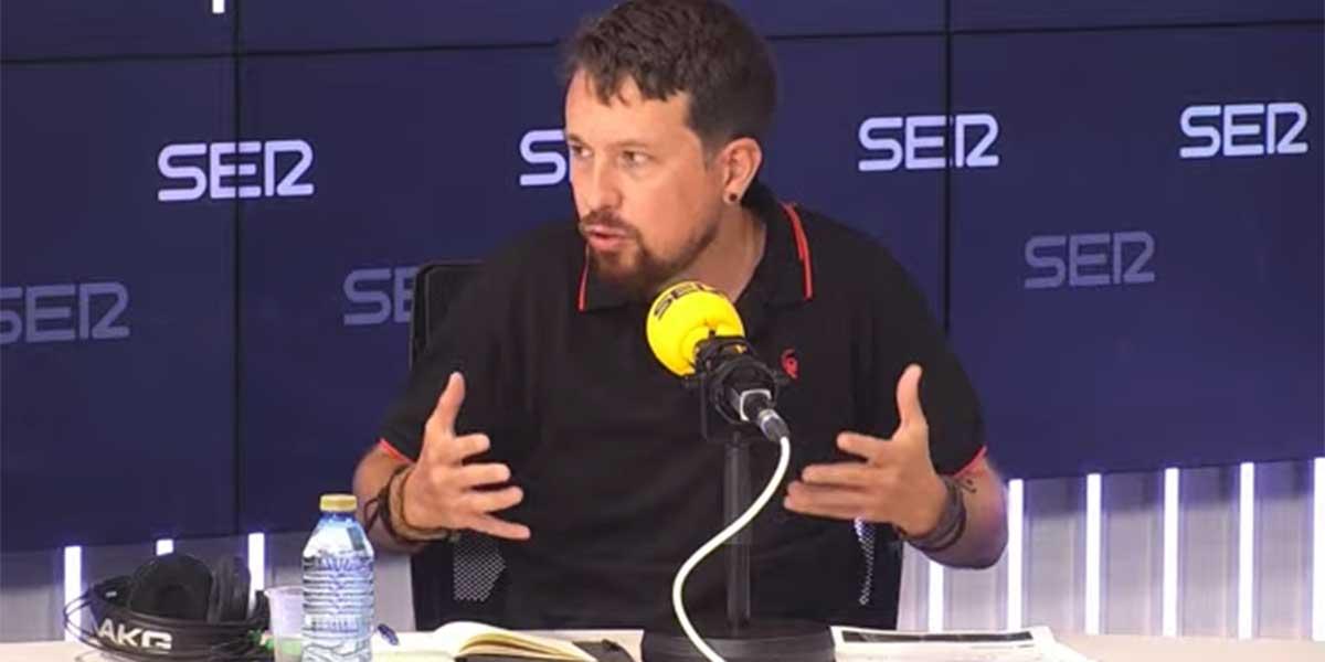 """Iglesias se estrena en la SER con alfombra roja en la noche en la que se jactó de """"tutear"""" al rey Felipe VI"""