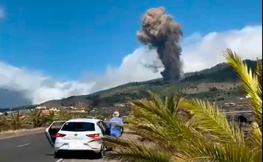 Canarias: Espectacular erupción volcánica en La Palma