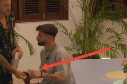 ¿Qué ocultan en la Isla de las Tentaciones?: vídeo viral de una 'pillada' hunde más la imagen de Telecinco