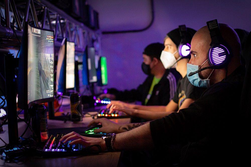 Beehive reinventa el mundo del gaming con 400 metros cuadrados listos para jugar en el centro de Madrid