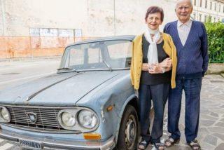 Retiran por fin en Italia un coche que llevaba 47 años aparcado en el mismo sitio