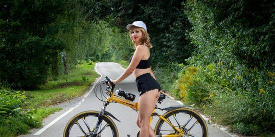 DGT: así es como debes adelantar a ciclistas en la carretera a partir de ahora
