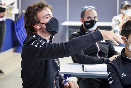 """Fernando Alonso: """"He sido idiota cumpliendo las normas del Mundial de Fórmula 1"""""""