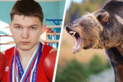 Este boxeador ruso se enfrentó con un cuchillo al oso que momentos antes quitó la vida a su amigo