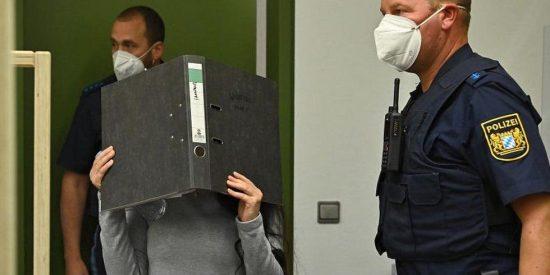 """Condenan a 10 años de prisión a una 'novia del ISIS' por dejar morir de sed a su """"esclava"""", una niña yazidí"""