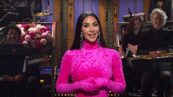 Kim Kardashian arrasa en Saturday Night Live: de su vídeo sexual hasta los detalles de su divorcio