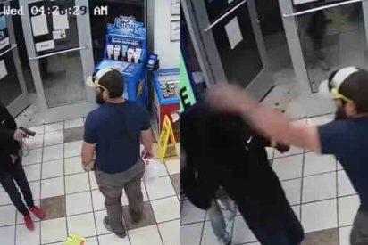Un antiguo marine impide un atraco y desarmó al ladrón con una maniobra militar