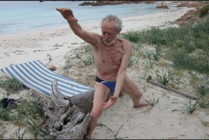 Así es el 'Robinson Crusoe' italiano que abandonará la isla en la que vivió 32 años solo