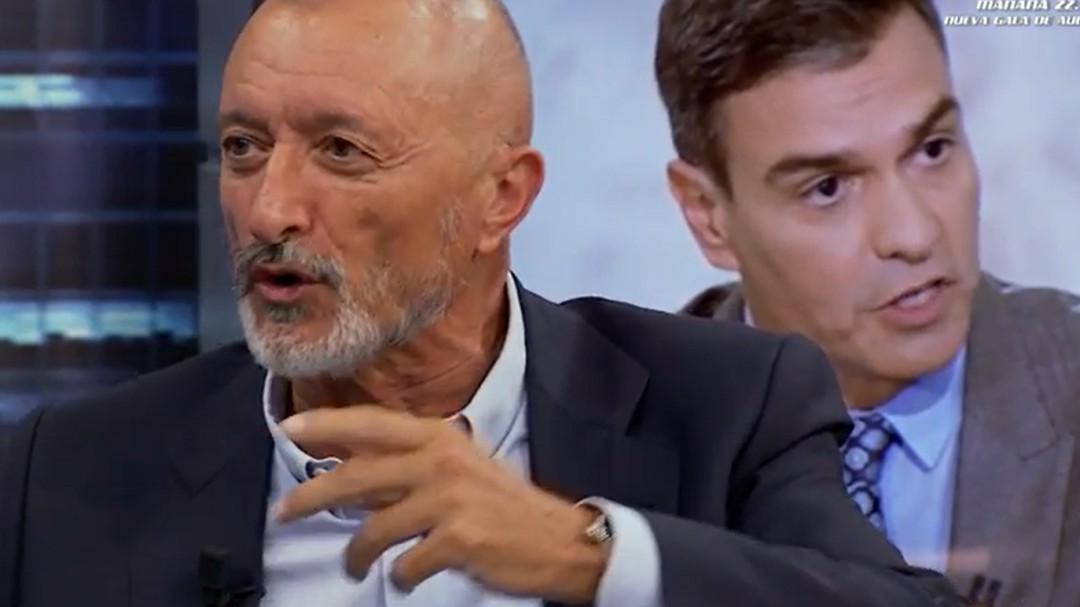 """Pérez-Reverte: """"Pedro Sánchez es un tipo malo, chulo, ambicioso, arrogante y cínico"""""""