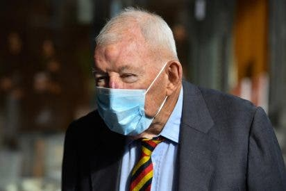 Condenan a prisión al magnate neozelandés que pillaron con 40.000 imágenes de pornografía infantil