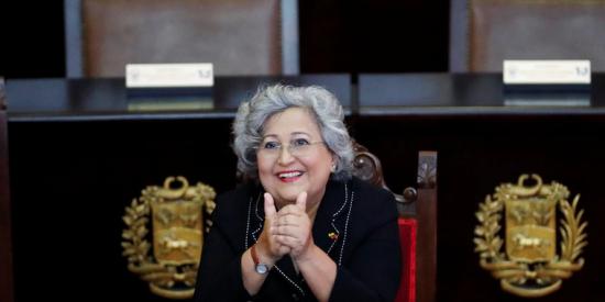 El dictador Maduro premia con un ministerio a la encargada de blanquear sus fraudes electorales