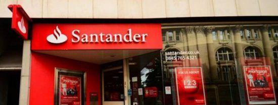 Atracan y toman rehenes en una sucursal bancaria de Murcia