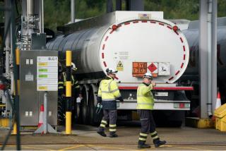 El Ejército británico toma el control de las entregas de combustible para acabar con la crisis de suministro en Reino Unido