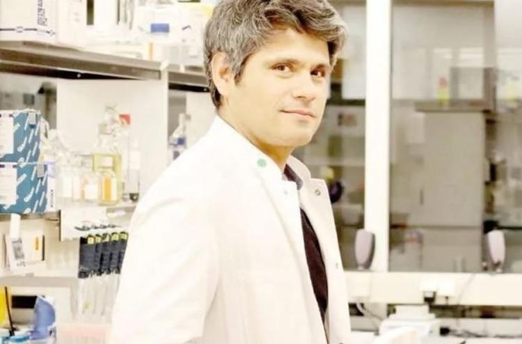 Éste es el científico mexicano que desarrolló una vacuna contra el VIH